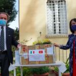 VIDEO Gli amici del Vietnam donano mascherine protettive alla Società Dante Alighieri